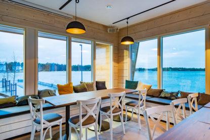 Light meeting space in the seaside café Nokkalan Majakka in Espoo.