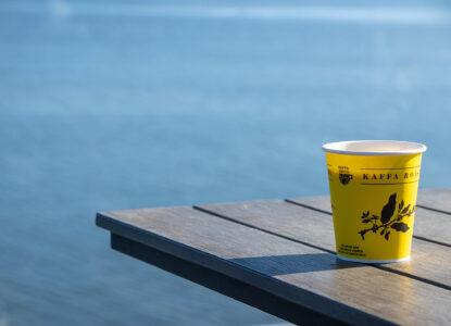 Merenrantakahvila Nokkalan Majakka tarjoaa syötävää ja juotavaa myös take away muodossa.